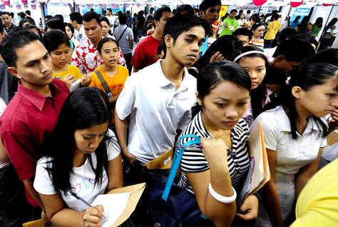 World Bank: Jobs fail to lift Filipinos out of poverty