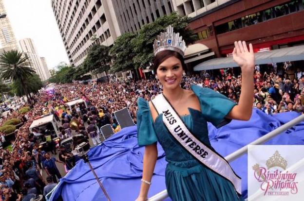 Miss U Pia Wurtzbach wows Dubai