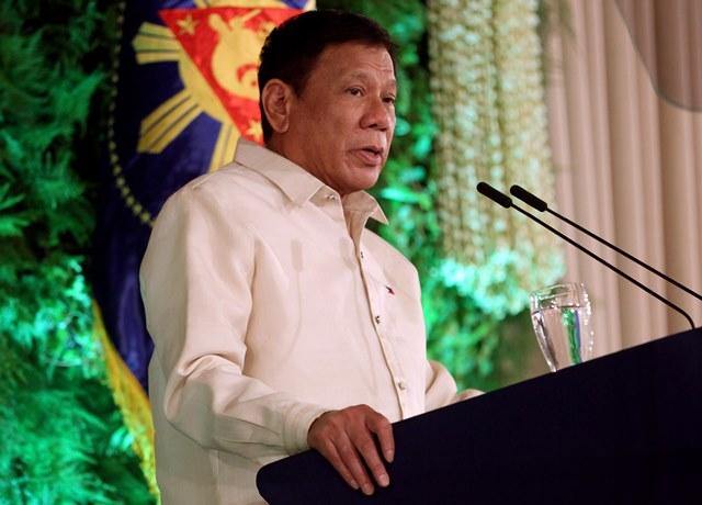 Duterte gives self a failing mark on drug war