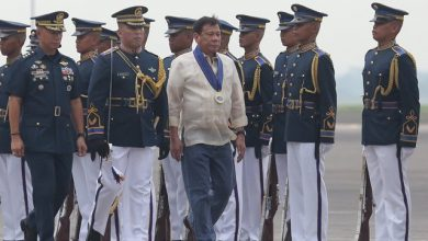 Photo of Duterte fashion: Barong-and-denim ensemble