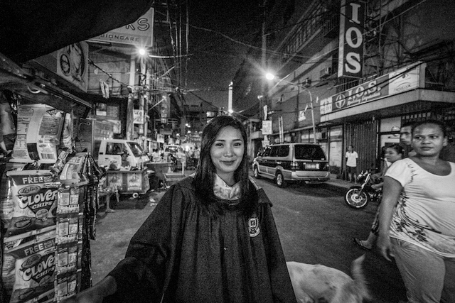 Homeless girl in Quiapo graduates from college
