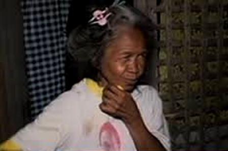 Scavenging grandma returns P165,000