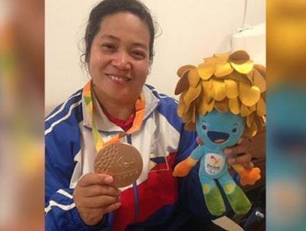 Pinay bet bags PH first medal at Rio Paralympics