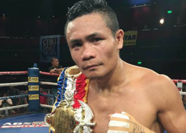 Nietes wins flyweight debut by beating Sosa