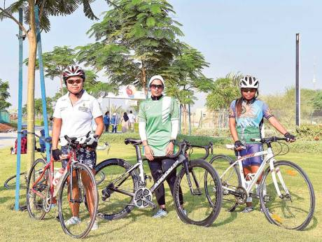 Filipina lifeguard pedals to second position in Dubai cycling tilt