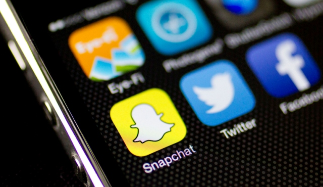 Newly wed split hours after wedding over Snapchat photos