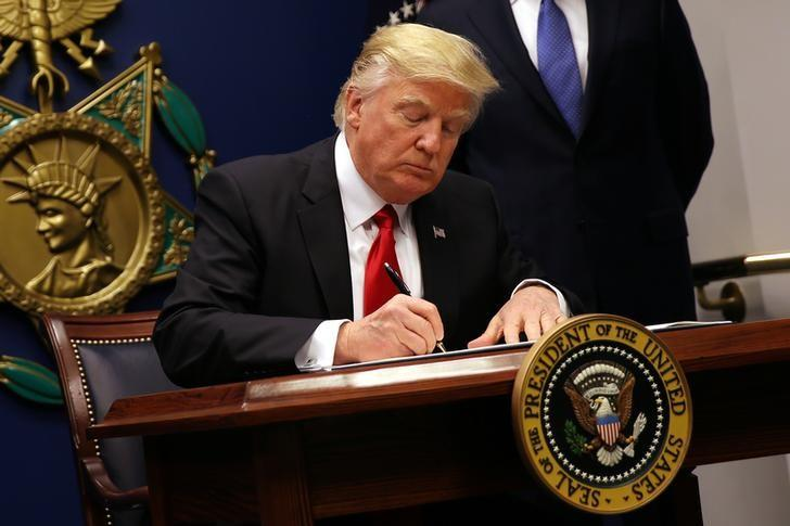 Trump to issue new immigration order next week