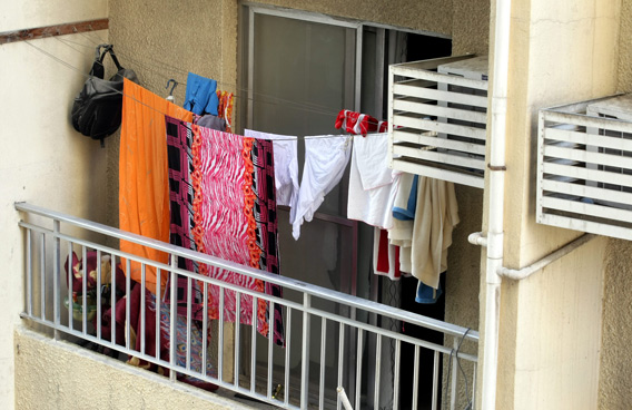 Abu Dhabi residents fined Dh1000 for drying clothes on their balconies