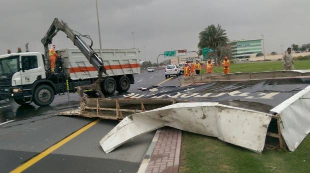 Dubai conducts massive clean-up drive after storm
