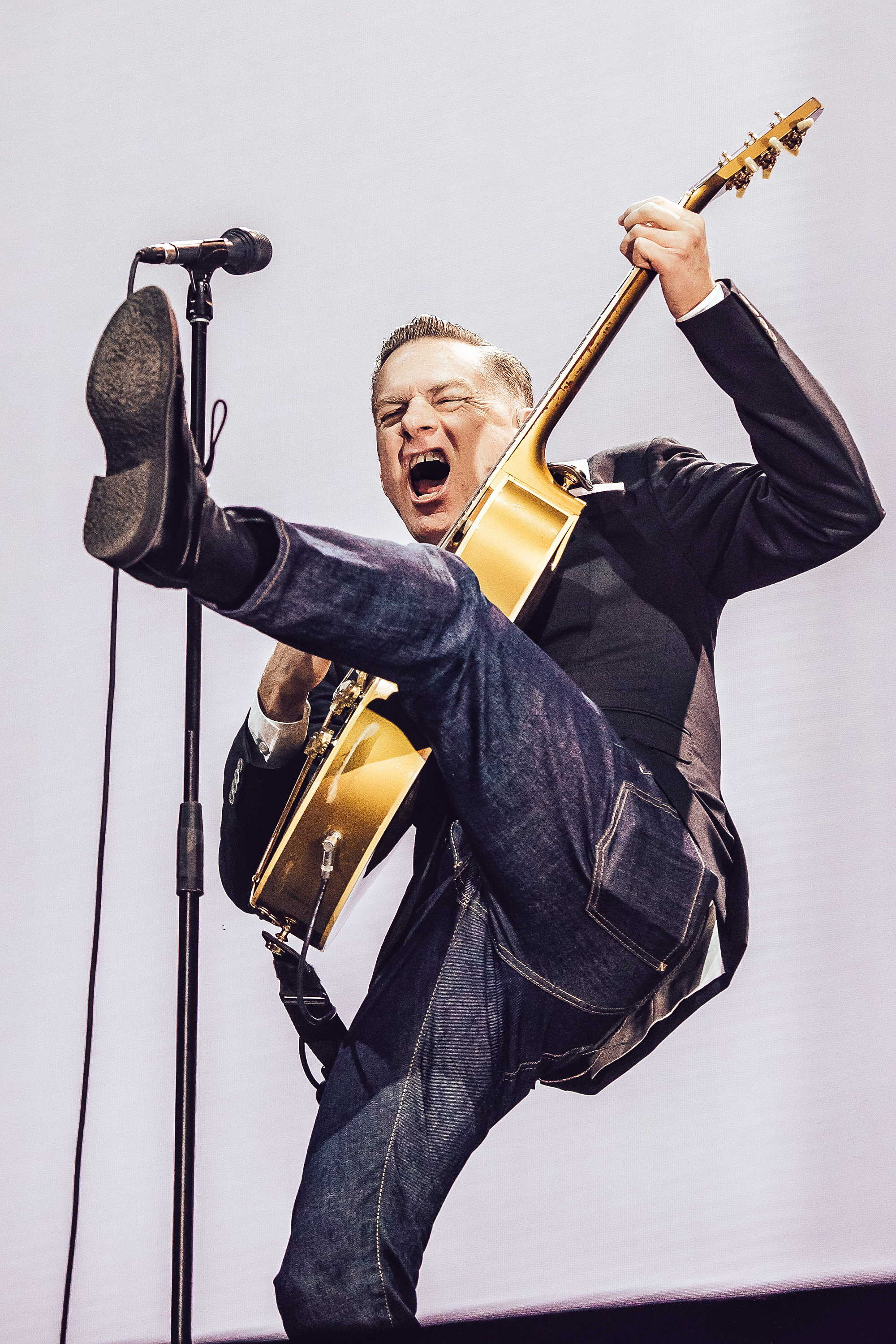 Bryan Adams still sings straight from the heart