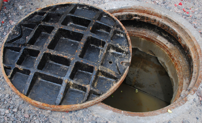 Woman rescued in a narrow manhole in Dubai