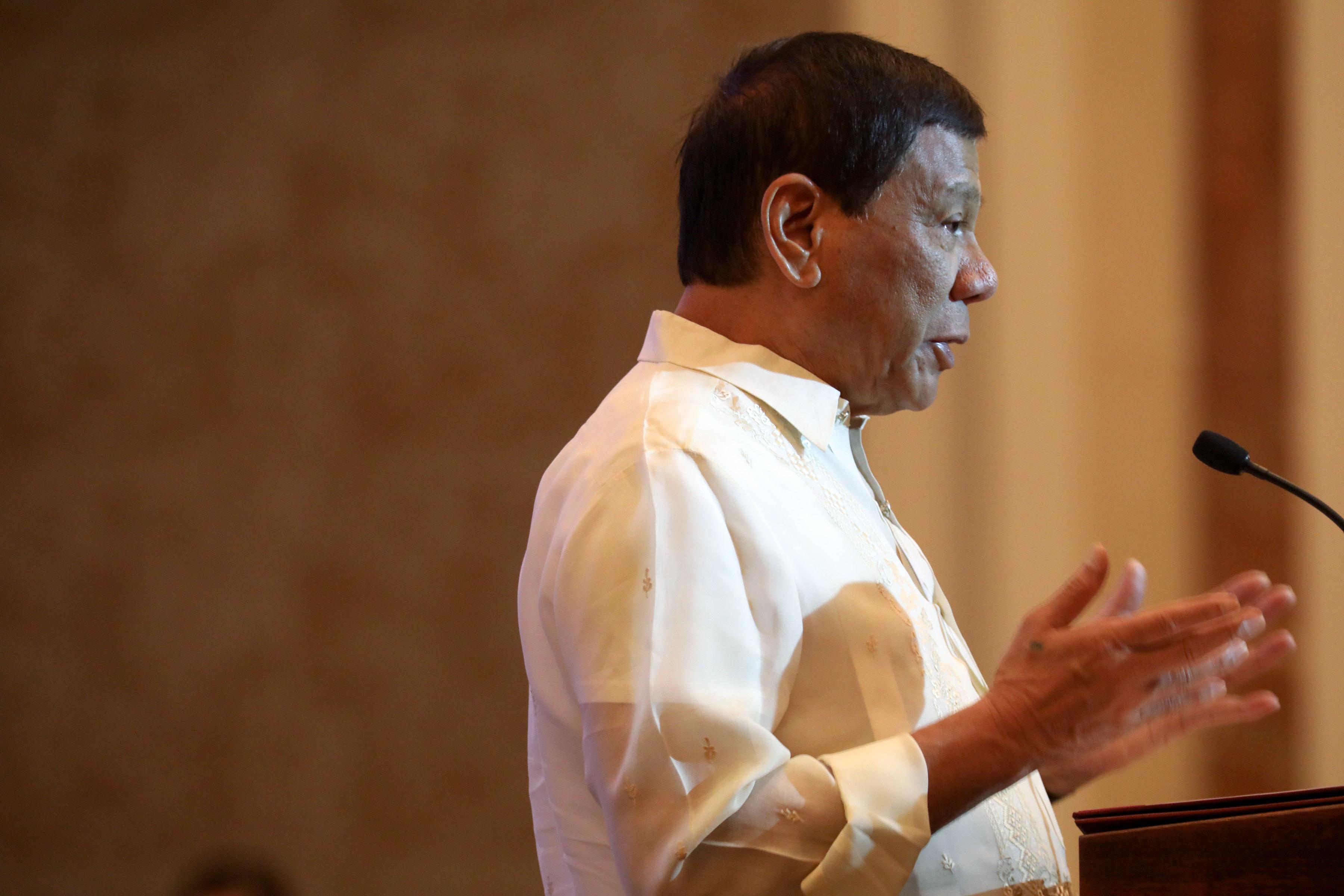 Duterte negotiates repatriation of 138 OFWs