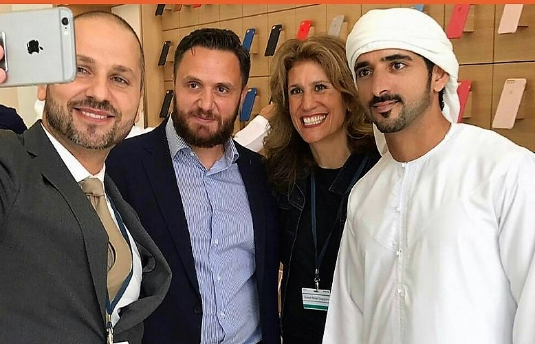 Beloved Crown Prince of Dubai visits UAE Apple store