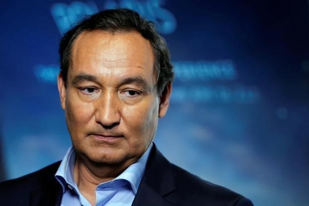 United Airlines apologizes after torrent of criticism, lost $600M in market value