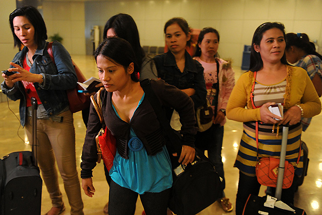 105 distressed overseas Filipinos from KSA arrive in Manila