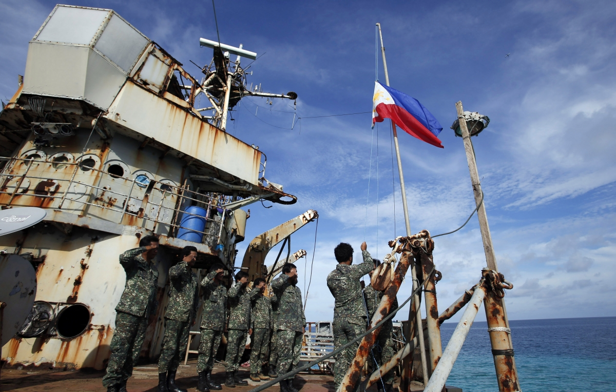 Duterte orders AFP to occupy PH islands in South China Sea