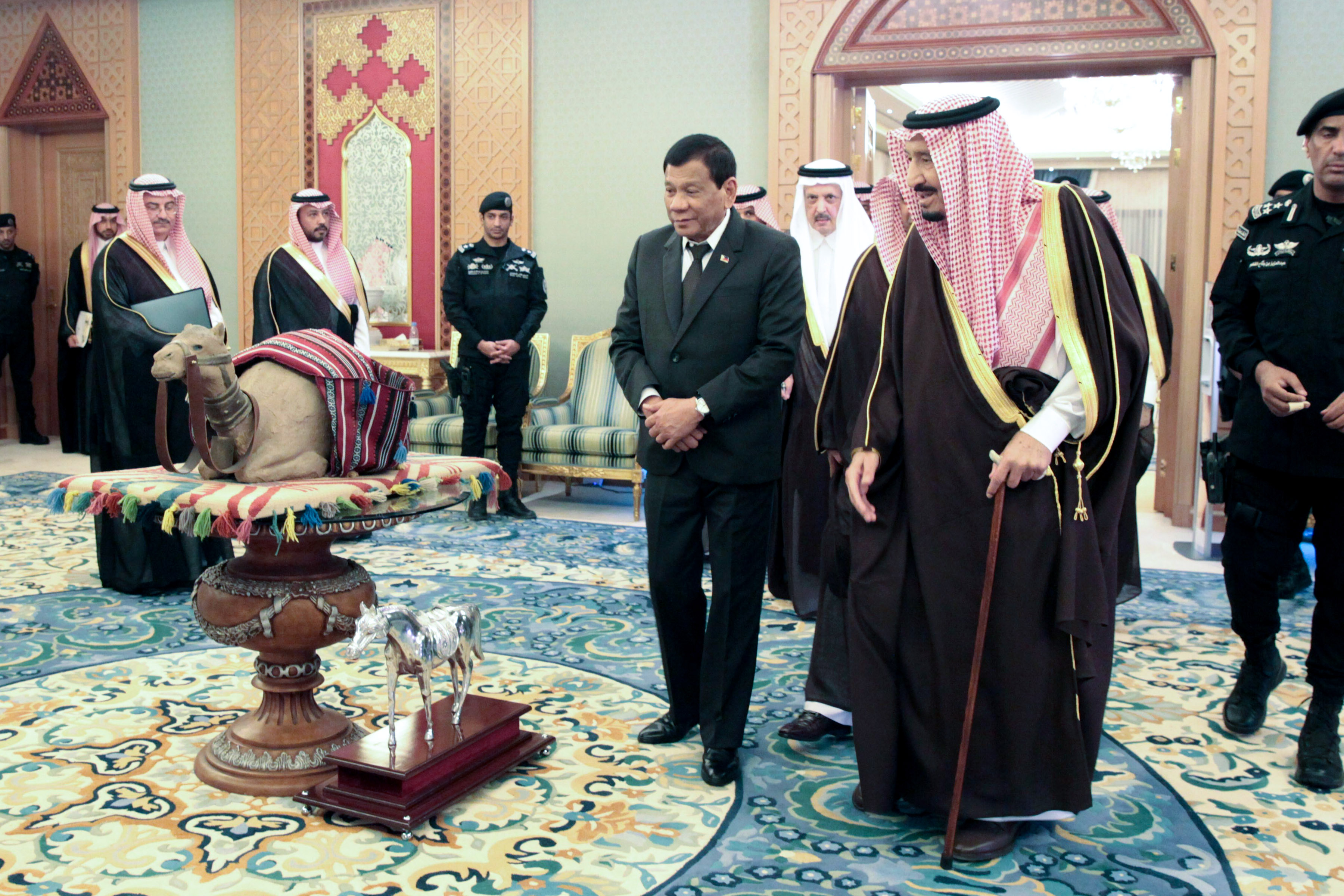 Duterte to bring home 16,000 jobs for Filipinos from Saudi deals
