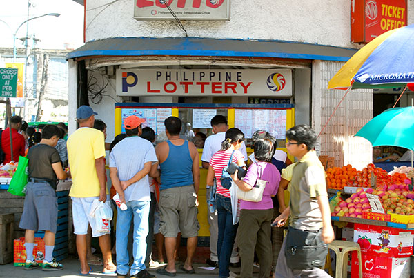 Malacañang lifts suspension on PCSO lotto operations