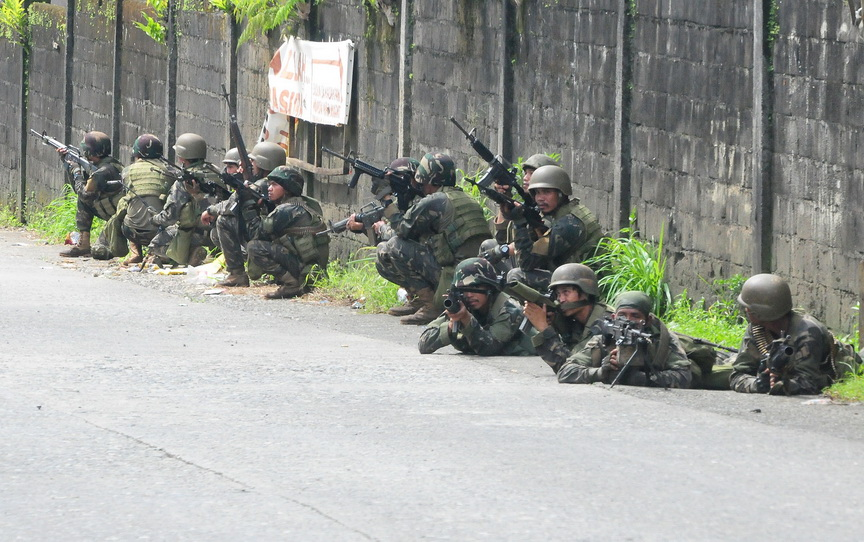 Gov't boosts Marawi force with 800 reinforcements