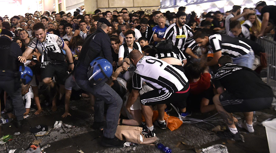 Italy stampede injures 1,000 football fans
