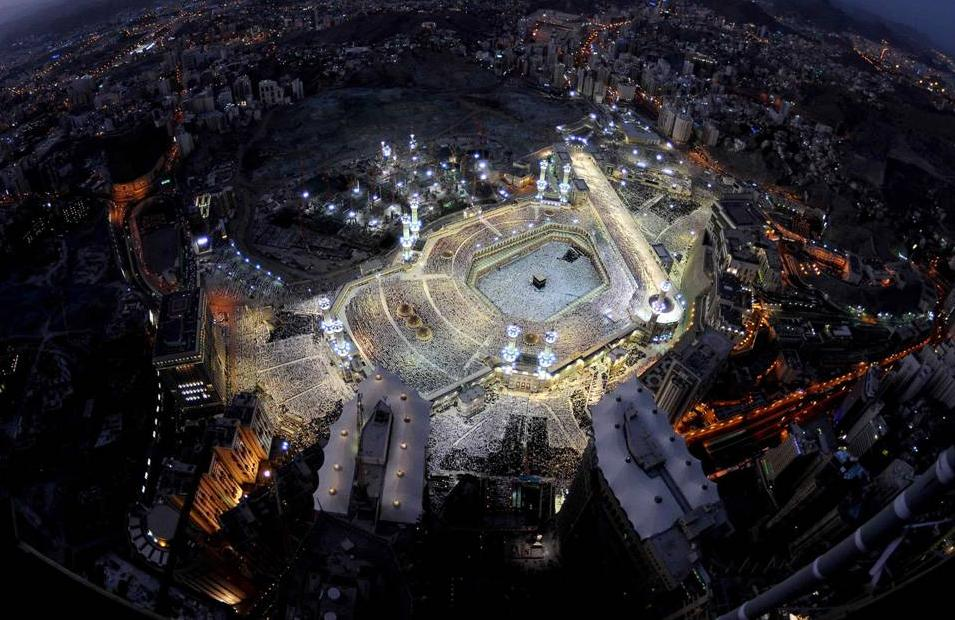 Saudi security forces foil attack on Grand Mosque