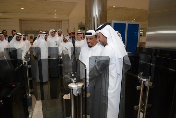 Dubai Int'l Airport clears departing travelers thru smartphones