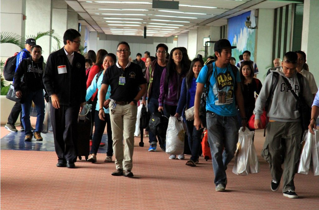 Binay urges gov't to prepare contingency plan for OFWs in Qatar