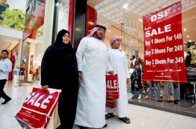 One-day sale in mall offers up to 90% discount, freebies