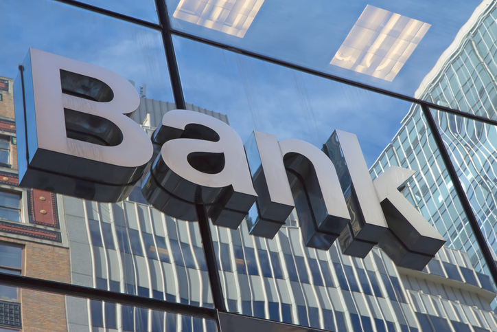 Select banks in PH to remain open today