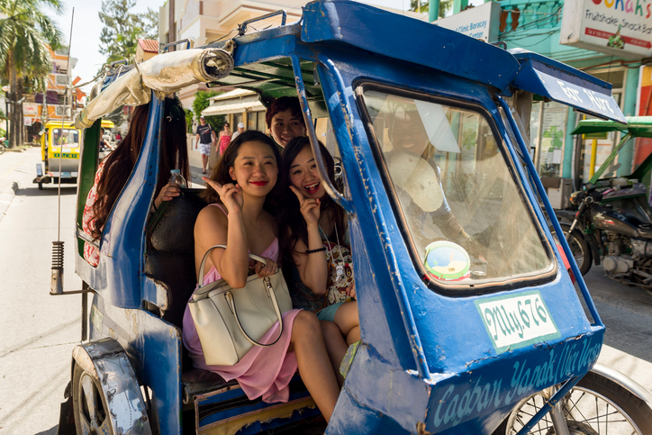 Chinese tourists  top PH visitors in April