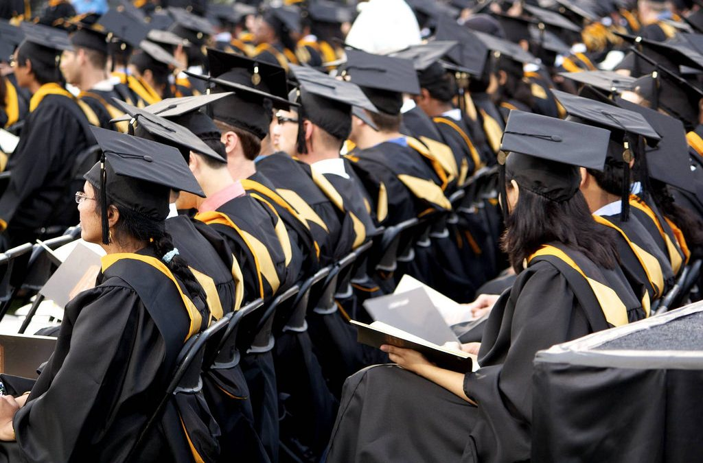 Senators urge economic managers to support free college education policy