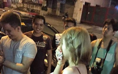 Pinoy proposes to girlfriend in an action packed scene