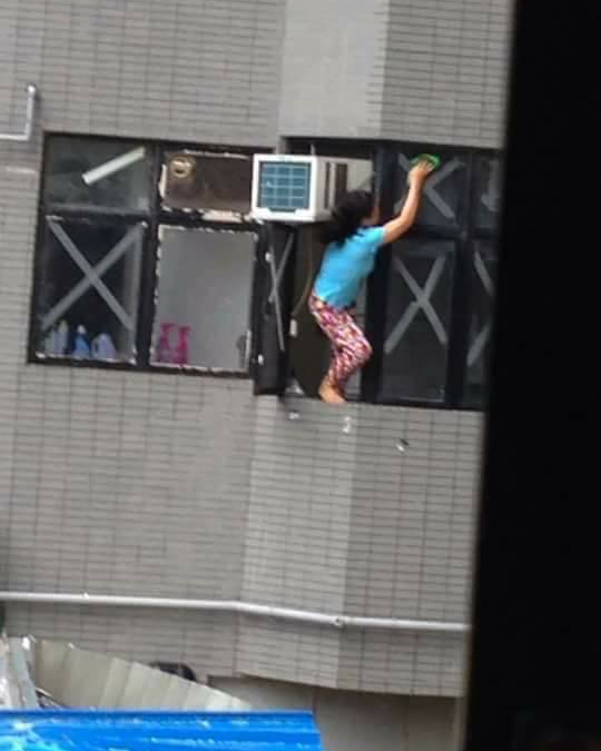 Pictures of OFW cleaning high-rise windows go viral