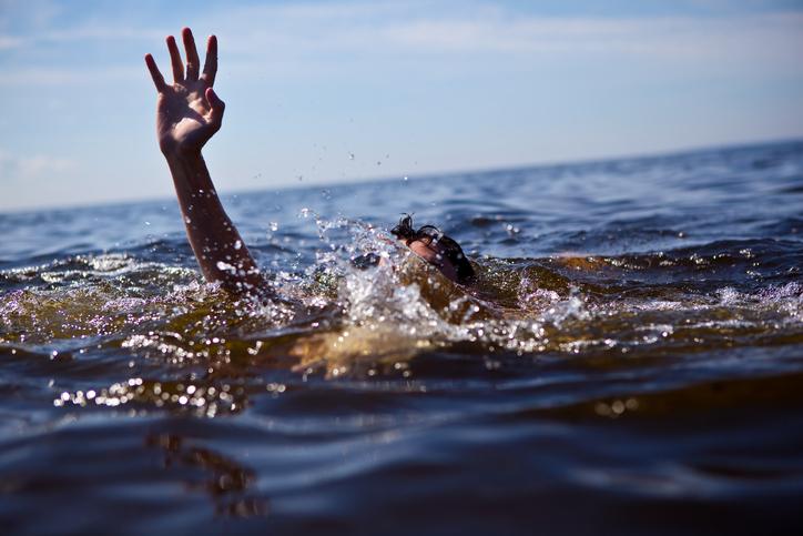 Emirati saves Filipino couple from drowning