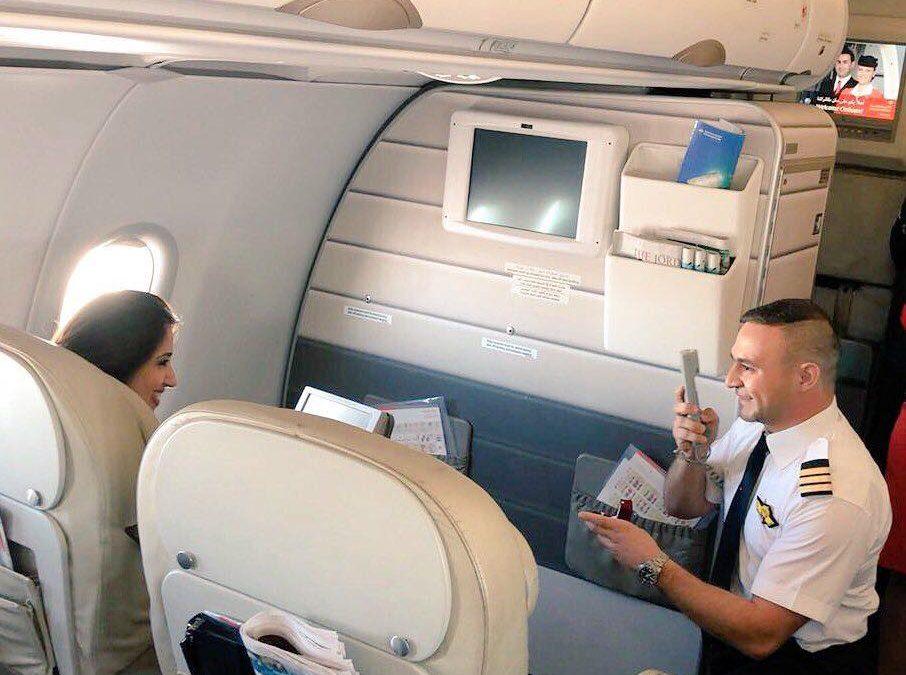 Pilot proposes to girlfriend on Dubai-bound flight