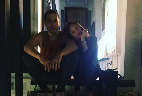 Ellen Adarna posts photo with John Lloyd Cruz on Christmas Day