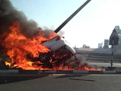 Teenager burns to death in RAK road crash