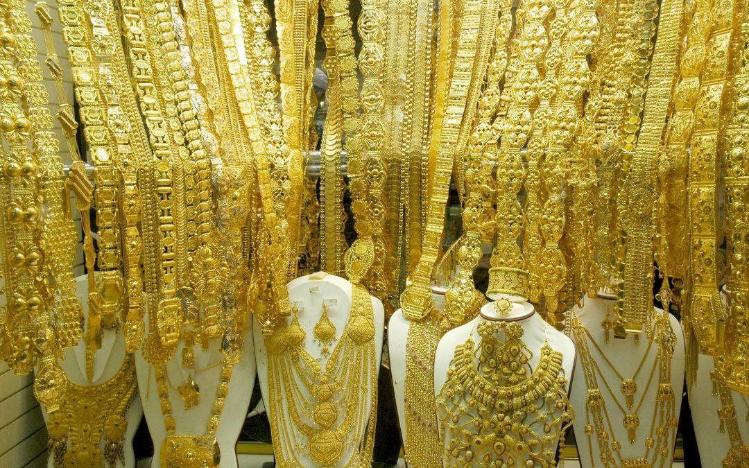 This jewelry store in UAE shoulders VAT for customers