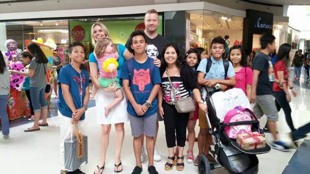 Pinay's employers in Dubai fly to Manila to spend holidays with her