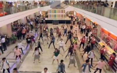 Darren Espanto, UMD surprise mall shoppers with 'Dying Inside' flash mob