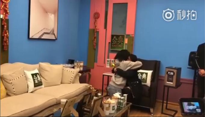 LOOK: KZ Tandingan shares tight hug with int'l superstar Jessie J