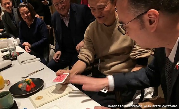 Cayetano, Jack Ma show off magic tricks