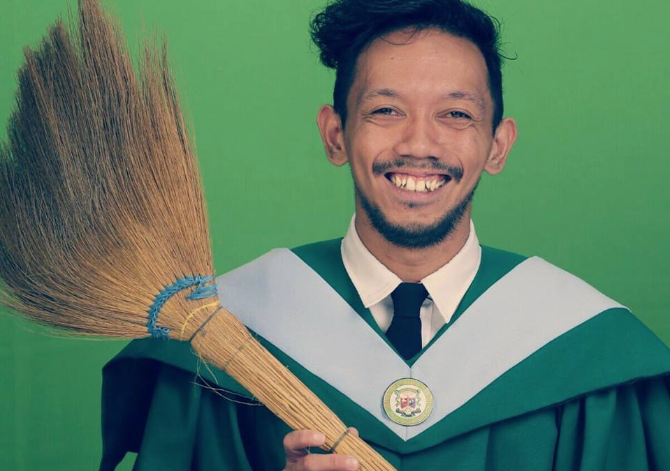 INSPIRING: Working student posts graduation picture with broom