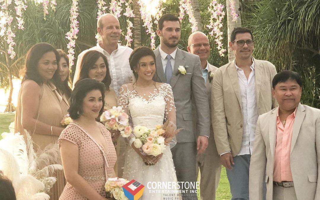 LOOK: Rachelle Ann Go's beach wedding in Boracay