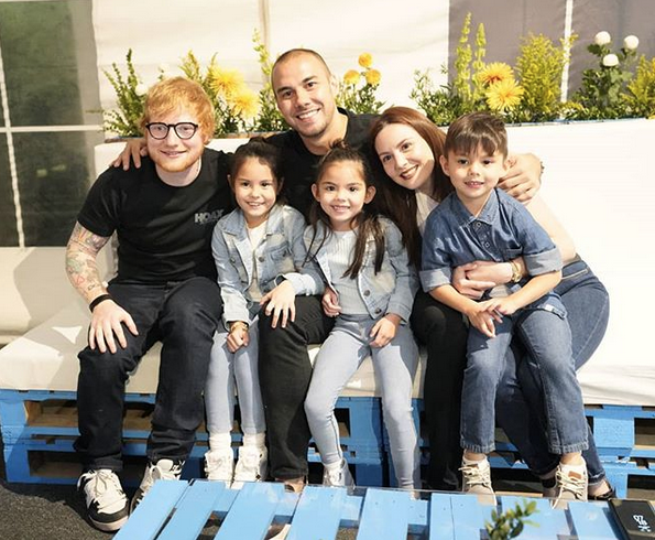 LOOK: Team Kramer Poses For Photo With Ed Sheeran