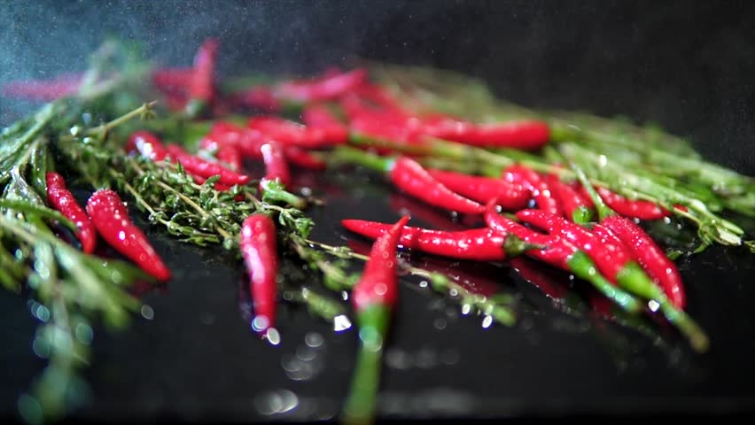 Thieves get jail time for chilli attack in Dubai