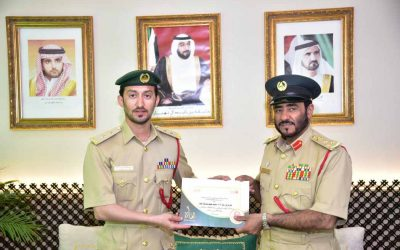 Dubai policeman saves kid trapped in mom's car