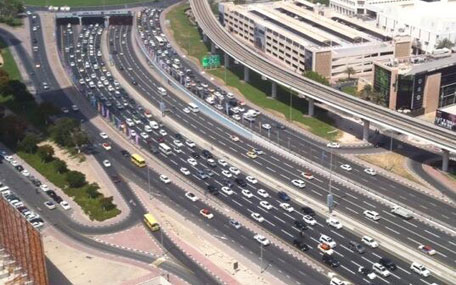Motorists caught in backlogs along Sheikh Mohammed bin Zayed Road (E311)