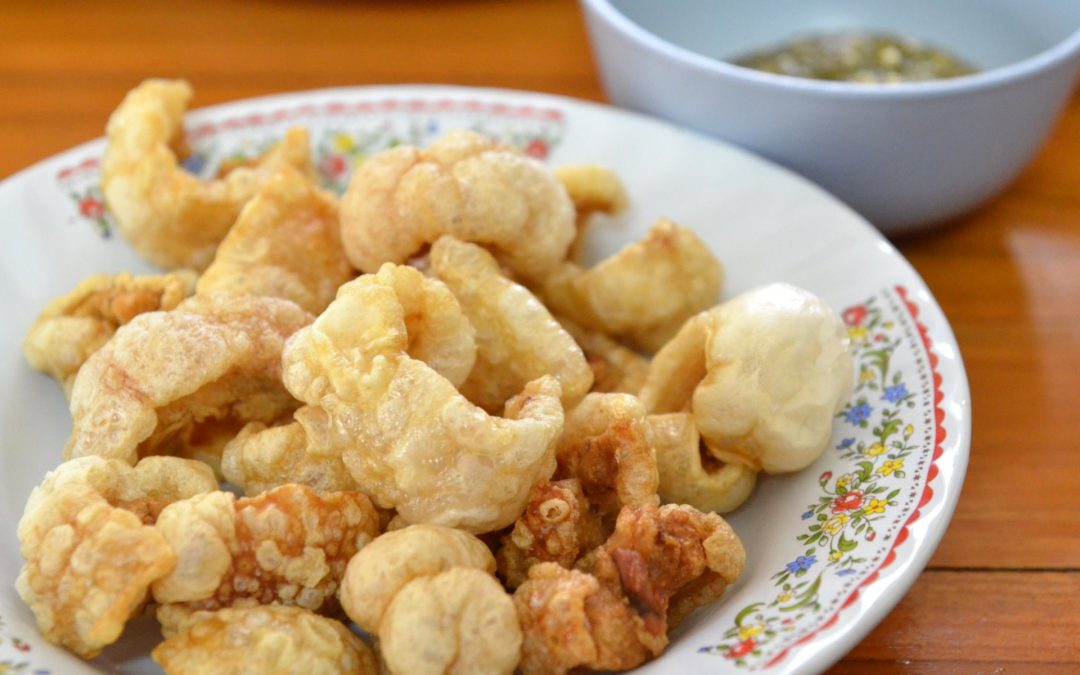 Chef beats up assistant for eating chicharon