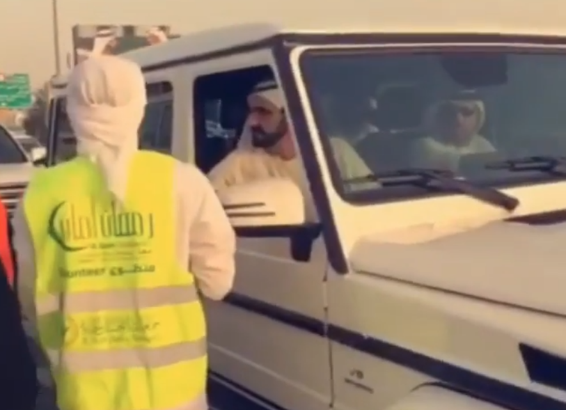 WATCH: Sheikh Mohammed bin Rashid pays surprise visit to volunteers giving out Iftar meals